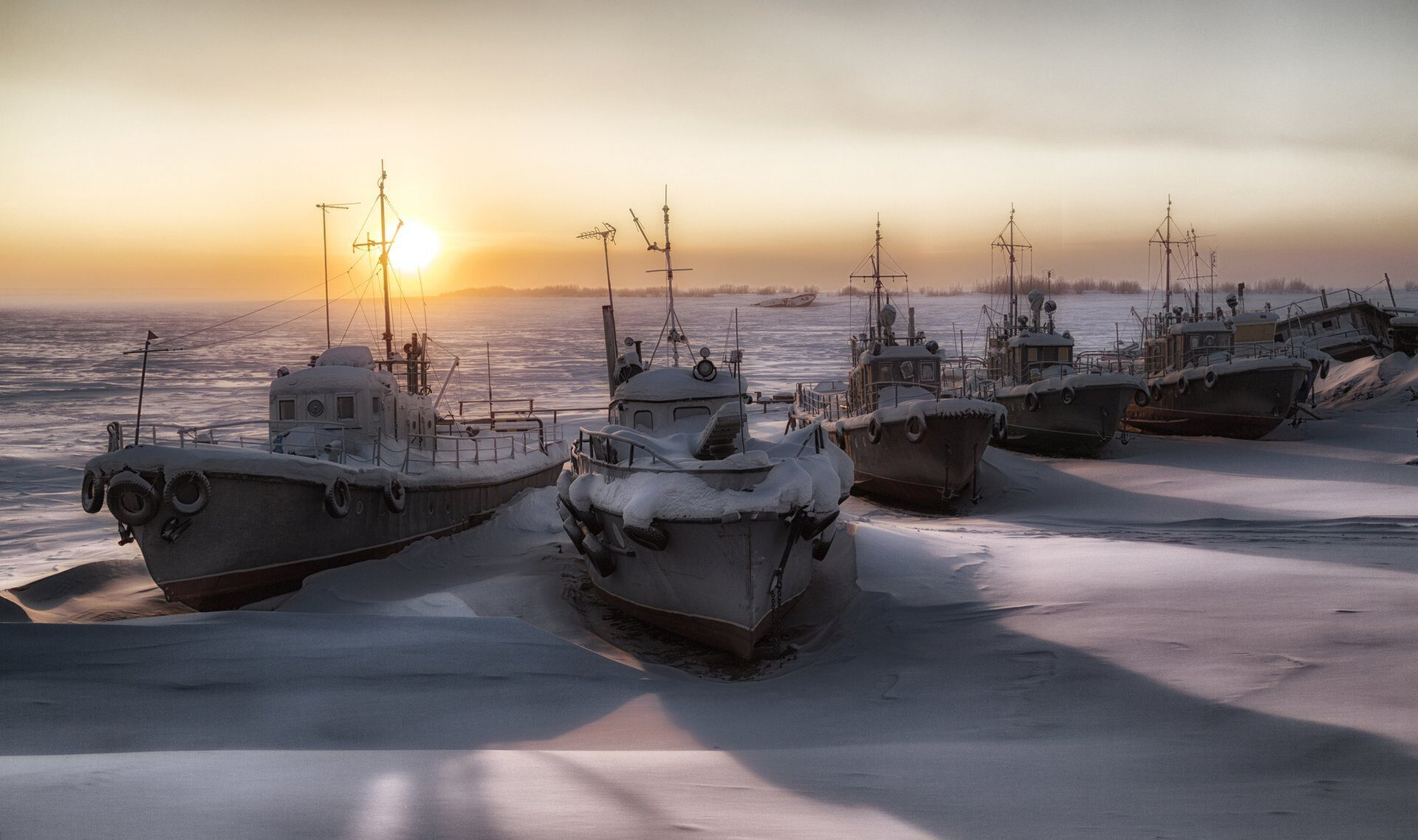 ships in the ice